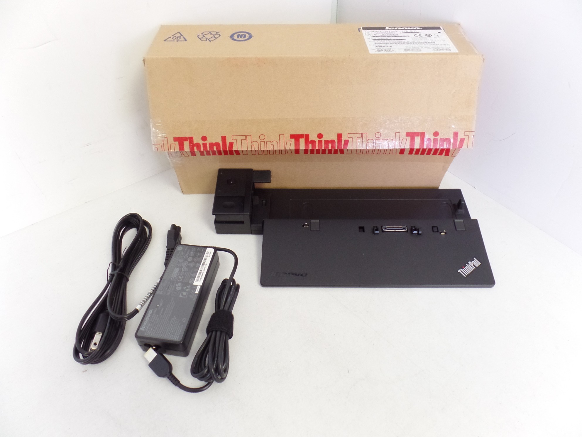 Lenovo ThinkPad Ultra Dock 04W3956 00HM917 40A20090US + 90W + Keys , OB